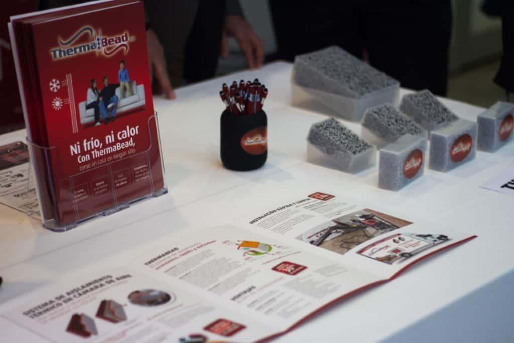 THERMABEAD mejora la eficiencia energética de edificos nuevos y existentes mediante inyección de perlas de EPS con grafito y aglutinante